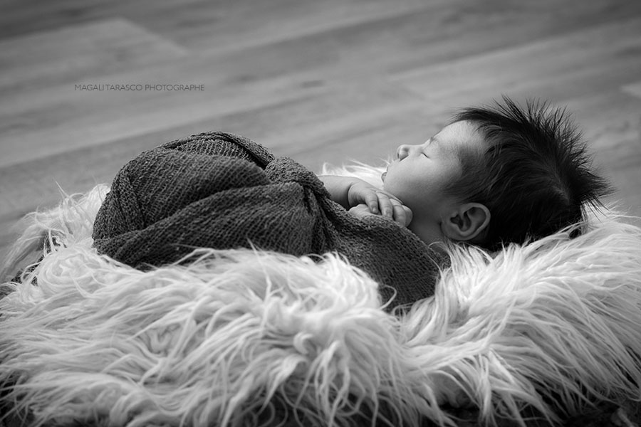 newborn posing, photographe bébé